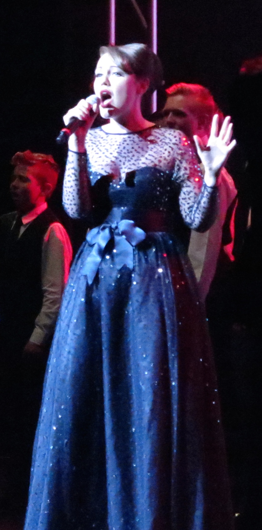 Emma sings Katy Perry's Firework